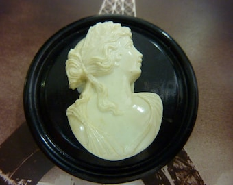 VINTAGE EARLY PLASTIC black and white  cameo dress clip