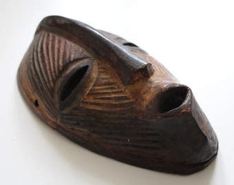 AFRICAN VINTAGE Tribal MASK / Congolese Wooden Mask / Hand Carved