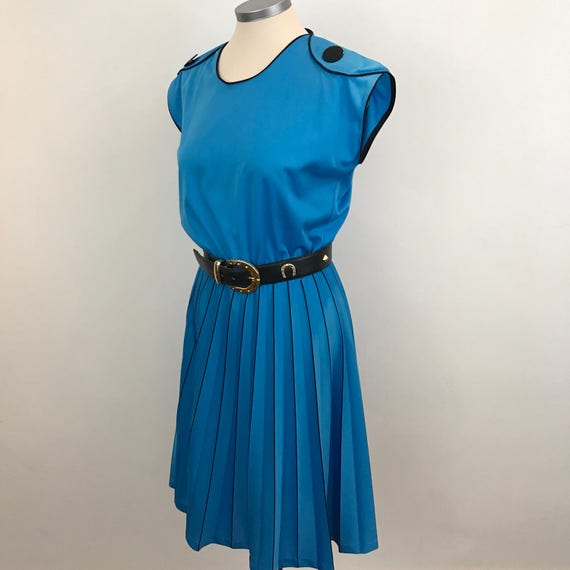 Vintage blue dress turquoise blue knife pleat flared skirt nu wave day dress UK 12 stretchy 1980s does 40s swing style