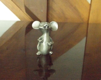 Sale Vintage mini mouse  figurine/mini mouse/mice/collectible mouse/small mouse/pewter mouse, mouse , Marked :  WF,Hudson, Pewter. gift idea