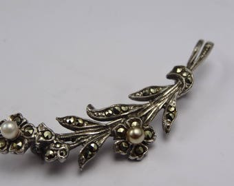 Stunning 1940s marcasite and pearl silver broach