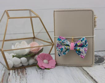 Dainty Bow Planner in Liberty Claire Aude
