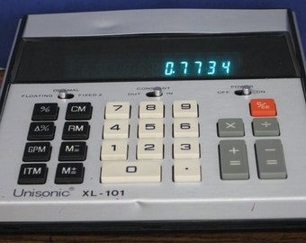 Unsonic XL-101 Green VFD Desktop Calculator - 1975 Vintage Vacuum Fluorescent Display