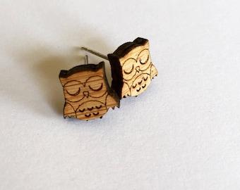 Hooty owl bamboo stud earring