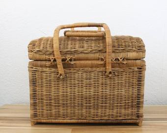 Vintage Wicker Picnic Basket Sturdy Woven Rattan & Reed W/ 2 Latching Handles