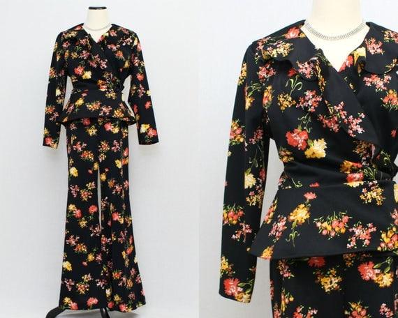 70s Floral Pantsuit - Size Large Vintage 1970s Bell Bottom Pants and Blazer
