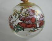 ROSENTHAL Glaskugel >>Weihnachten<<. Dekor: Bjoern Wiinblad. Durchmesser ca. 8 cm. Wohnraumdekoration. Christbaumkugel. VINTAGE