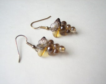 Vintage glass grape cluster earrings, grapes earrings, amber glass grapes, amber and brown, small grape cluster