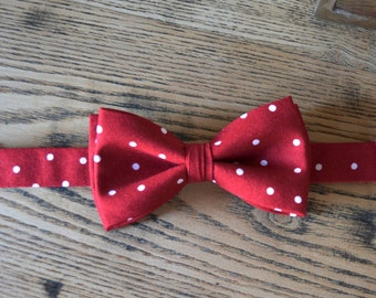 dark red bow tie,red and white bow tie,bow ties for kids,bow ties for boys,bow tie with strap for boys,red and white polka dot bow tie