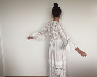 Vintage boho wedding dress - white cotton 60's / 70's long wedding dress - xs/sm