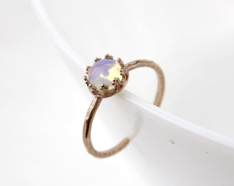 Rose gold ring - Rainbow Moonstone cabochon B53