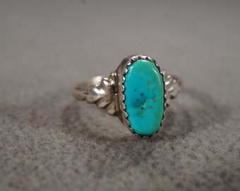 vintage sterling silver statement ring with large oval turquoise stone set in a southwestern setting, size 6 1/2  M2