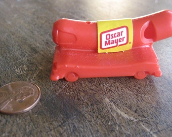 Oh I Wish I Were An Oscar Mayer Weiner in addition Wienermobile further The Oscar Mayer Wienermobile Fun For Kids Of All Ages besides The Santa Clause Was The Scariest Film Of 1994 also Oscar Meyer Weinermobile Carhard. on oscar meyer whistle