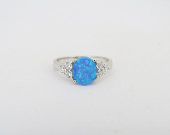 Vintage Sterling Silver Blue Opal & White Topaz Ring Size 8