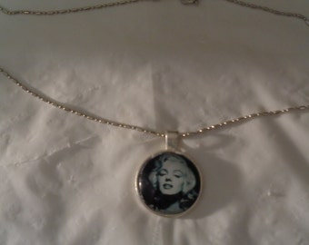 Marilyn Monroe Black and White Pendant Photo Charm Chain Necklace