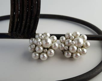 Vintage White Cluster Pearls Clip On Earrings