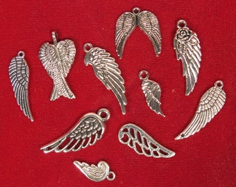 """10pc set """"angel wings"""" charms in antique silver style (BC892)"""