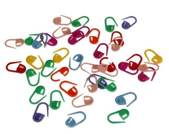 25 Plastic Stitch Markers - Multicolored Knitting Markers - Locking Crochet Markers - Stitch Counters - Rainbow