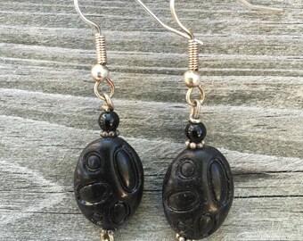 Vintage Retro Swirl Bead Matte Black Earrings 010E