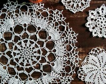 White lace doily, 38 cm