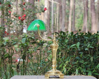 Unique Vintage Banker's Lamp with Green Shade / Vintage Library Lamp / Vintage Lawyer's Lamp / Law Office Decor / Decorative Banker's Lamp