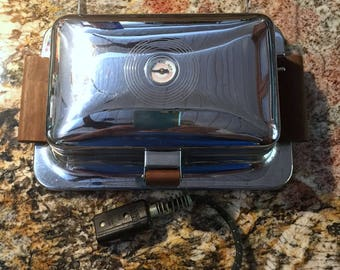 Retro ~ Vintage Heatmaster Hot Sandwich Maker / Panini Press ~ Complete with Temperture Guage, Bakelite Plug, Cloth Covered Appliance Cord.