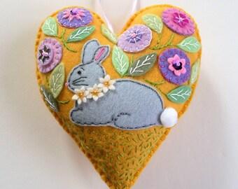 Bunny Felt Heart Ornament, Rabbit Felt Heart Ornament, Easter Bunny Ornament, Spring Decor, Doorknob Hanger, Doorknob Pillow, Felt Bunny