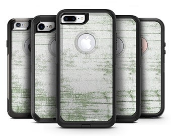 Green and White Chipped Woodgrain - OtterBox Case Skin-Kit for the iPhone, Galaxy & More
