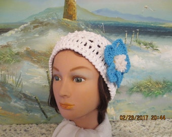 White crochet  ladies spring cotton hat, with large removable turquoise flower pin!