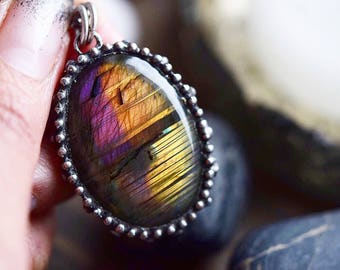 Rainbow Labradorite Necklace // Oval Stone Necklace // Purple Orange Gold Labradorite Statement Necklace