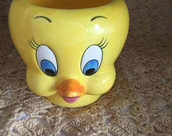 E094  Tweety Bird Yellow face mug