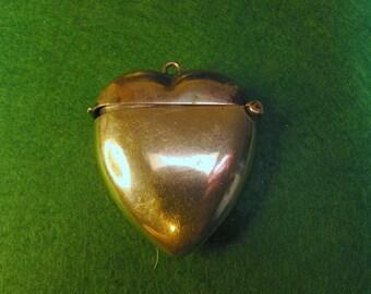 sterling silver Vesta match holder heart shape, damaged