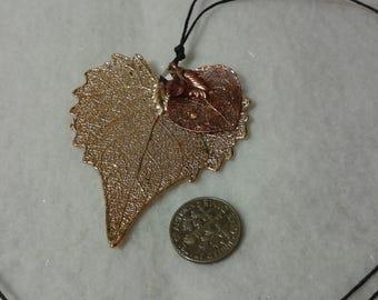 Heart shaped leaf necklace