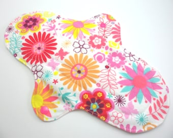 "Cloth pad heavy/night time 10.5"". Flannel,towelling,PUL. White Floral print."