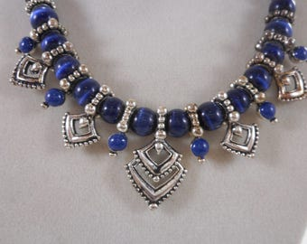 Vintage Avon Blue Cats Eye Beaded Necklace Silver Tone 18 inch