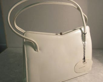 BEAUTIFUL BNWT 'Suzy Smith' White Leather Handbag Made In ENGLAND - Very Cute!!!