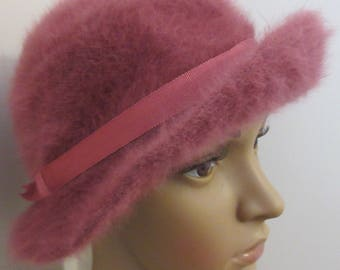 Vintage 1940's 'Marida' Raspberry Angora Wool Hat - Cute!!