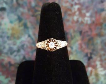 Delicate Antique Diamond Ring w/14k Yellow Gold Filigree Mount -EB653