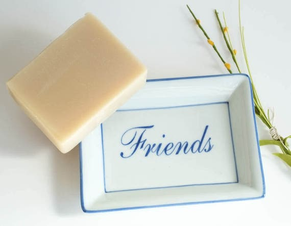 "WHAT'S TRENDING 5oz Soap Bar in ""Friends"" Dish 