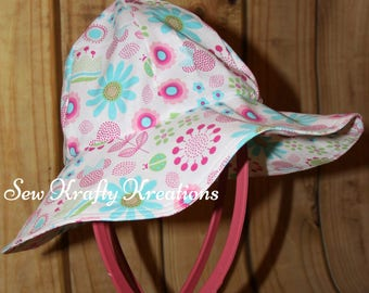 Infant Sun Hat - Light Blue with Flowers and Minnie Heads