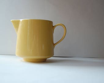 Vintage Yellow Creamer Made In Usa Stamped On The Bottom Creamers For Coffee Daisy Kitchen Decor