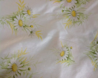 Daisy sheet....full size....excellent condition.....vintage...flat