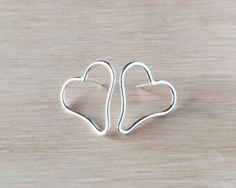 Heart studs in silver