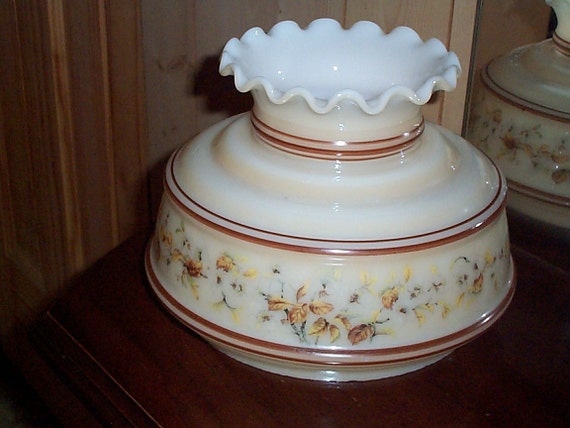 Quoizel Milk Glass Lamp Shade Vintage Hurricane Gwtw Parlor