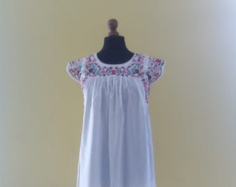 Vintage embroidered summer cotton dress with pleats Size M-L