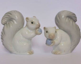 Pair of Porcelain Squirrel Figurines, Vintage Knick Knacks, Housewarming Gift, Country Cottage Chic Decor, Decorative Animals, Fall, Autumn