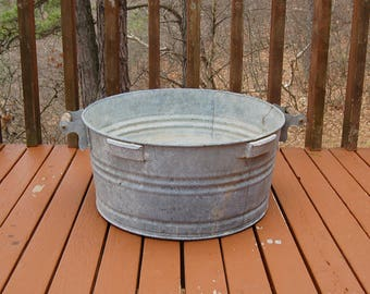 Very Large Galvanized Wash Tub, Vintage Round Galvanized Basin, Garden Tub, Large Galvanized Planter, Oversized Wash Tub
