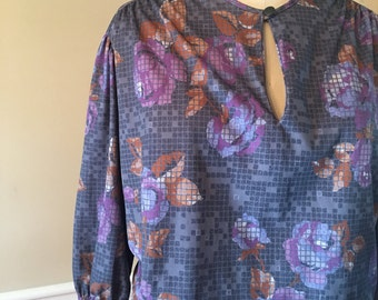 Tiger lily, XL blouse, gray top, plus size top, floral top, size 2X top, womens blouse, knit top, 3/4 sleeve,