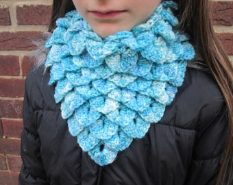 Blue dragon scale cowl, crocodile stitch cowl, crocheted cowl, crocheted neck scarf, adjustable cowl, one size fits all, ladies kids cowl