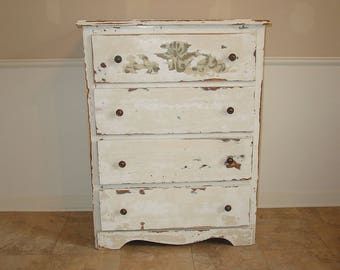 Vintage Shabby Chic 4-Drawer Chest of Drawers~Creamy Ivory Toned Paint Finish~French Country~Primitive Rustic-Local Pick-Up Only